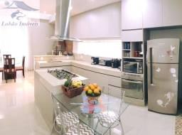 Charmosa casa térrea no Condomínio Alphaville em Resende - RJ