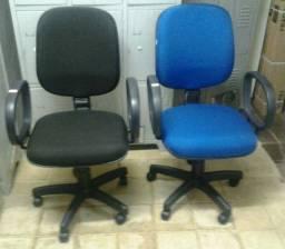 Tenho: Preta ou Azul, Cadeira Diretor Giratória
