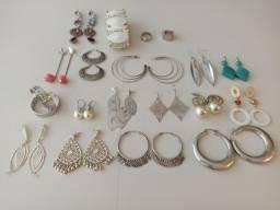 19 peças de bijus