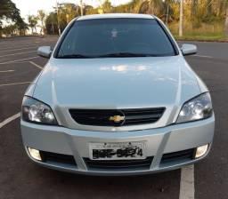 GM Astra Hatch 09 140 CV