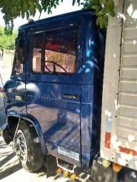 Caminhão 708 mercedes