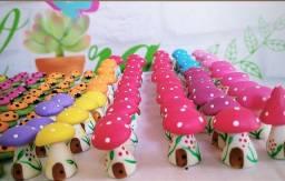 Cogumelos em biscuit para plantas e terrários