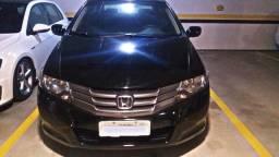 Honda City LX Flex baixa km em bom estado