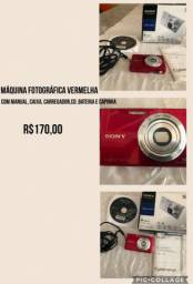 Máquina fotográfica vermelha