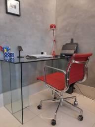 Cadeira Diretor Esteirinha Baixa c/ Rodízios em Alumínio e Couro Natural Charles Eames