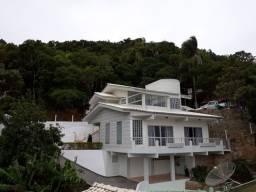 Bela casa na praia de Morrinhos Bombinhas
