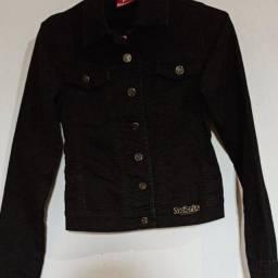 Jaqueta preta, tamanho P