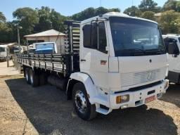MB 1721 Truck com carroceria