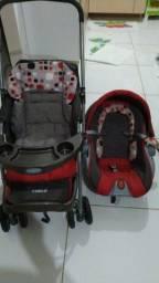 Carrinho de bebê + bebê conforto semi novo