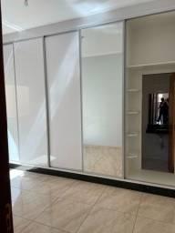 Alugo casa 3 quartos completa em armarios