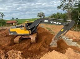 Escavadeira EC200D Volvo