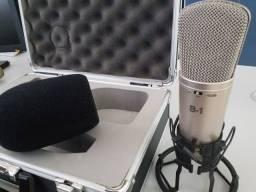 Microfone Condensador Behringer B1, seminovo