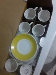 Conjunto de xícaras 12 peças em porcelanato
