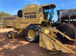 Colheitadeira New Holland TC 59 Hidro Plus
