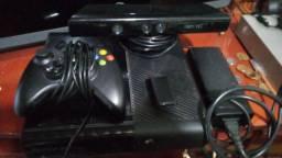 Xbox 360 seminovo! Destravado.