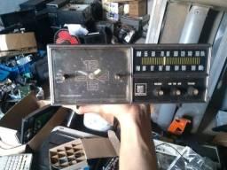 Rádio relógio Magnavox no estado