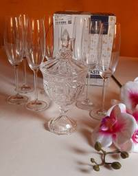 Taças champane cristal importada.