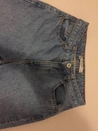 Calça feminina mom jeans