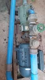 Motor e bomba de puxar água