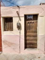 Vendo casa localizada no bairro Timbaúbal