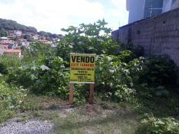 Vende este terreno