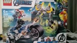 Lego Marvel Ataque Dos Vingadores Em Speeder Bike - 76142