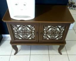 Comoda/ mesa/ armário