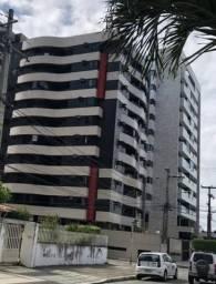 Vendo apartamento três quartos Ponta Verde