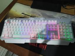 Teclado gamer RGB Semi Mecânico