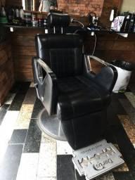 Cadeira darus semi nova!