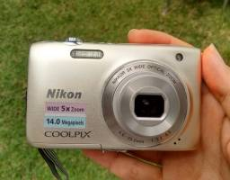 Câmera Digital Nikon Coolpix 14MP