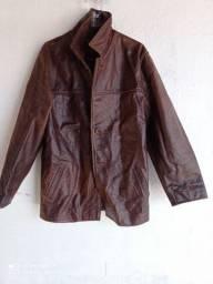 Vendo uma linda jaqueta de couro