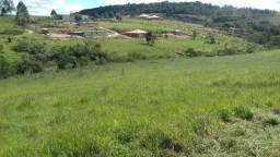 Vendo uma chácara em Barbacena com água natural