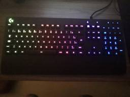 Teclado Gamer RGB Logitech G213