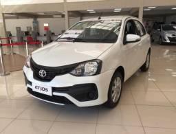 Toyota Etios X PLUS 4P
