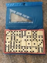 Domino na caixa