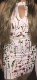 Vestido Ave Rara tule bordado floral