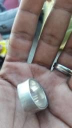 Vendo um anel preenchido e nao ocado