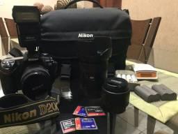 Vendo Nikon D 200 com 3 lentes e Flash