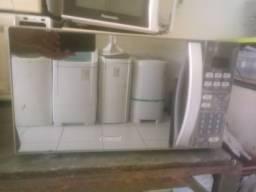 Vendo microondas consul espelhado 20lt com 06 meses de garantia