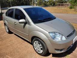 Ford Fiesta Sedan 1.6 Flex 2006/2006 - Particular vende carro de família
