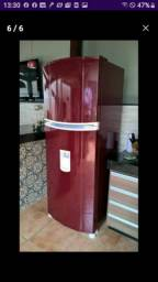Envelopamento em adesivo para geladeira *