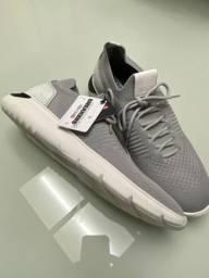 Sneaker Ferraccini cinza 40
