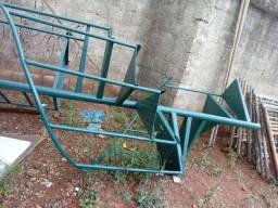 Vende se essa escada caracol 8 degrau.