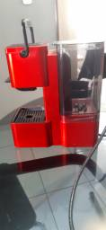 Cafeteira pop plus 200,00