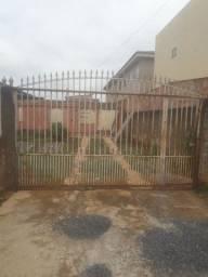 Vendo portão e grades    1.000  reais
