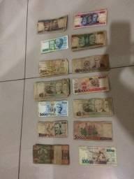 Sao 80 cedulas por 130 reais