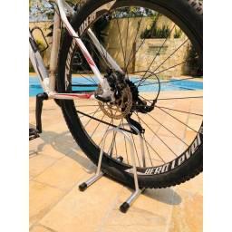 Suporte para estacionar a bike/Bicicletário