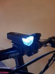 Farol recarregavel para bike