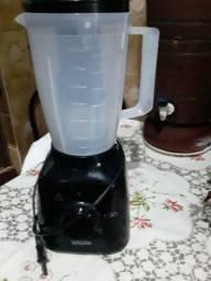 Liquidificador semi novo Walita